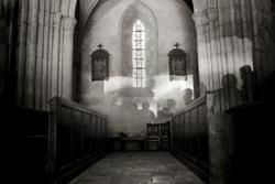 教会に出る幽霊の画像