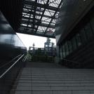 外にある階段の画像