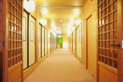廊下の夢を見たときの夢占い・夢診断