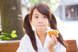 食べる夢を見たときの夢占い・夢診断