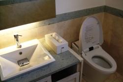 トイレの夢を見たときの夢占い・夢診断